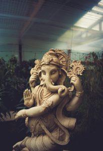Ganesha, Elefantengott von Jose Luis Sanchez Pereya on Unsplash